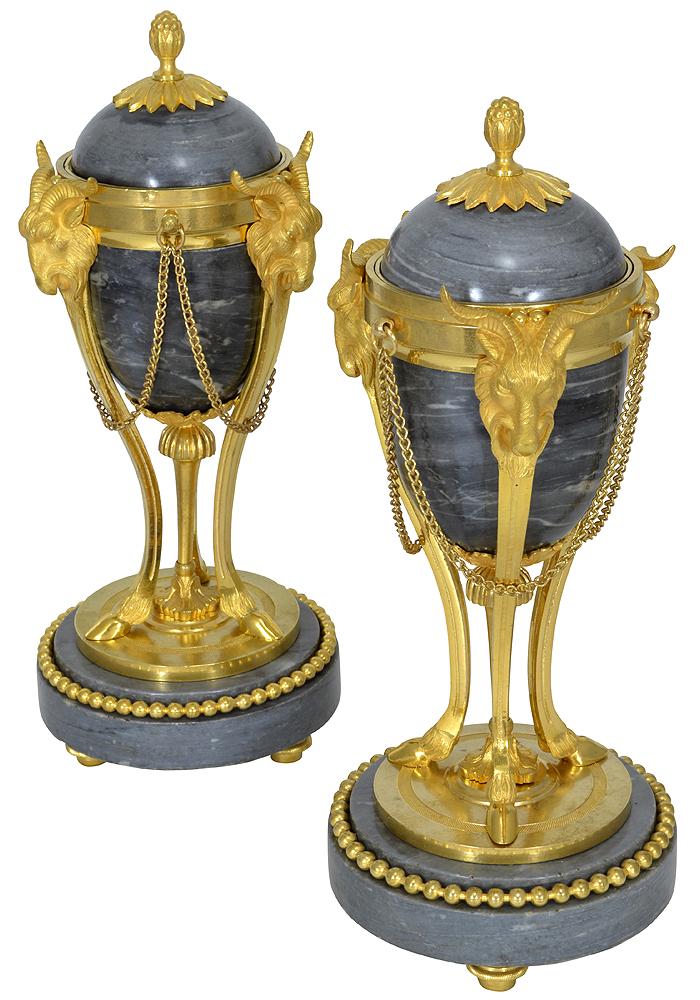 paire de vases bougeoir en marbre gris turquin style louis xvi clock prestige. Black Bedroom Furniture Sets. Home Design Ideas